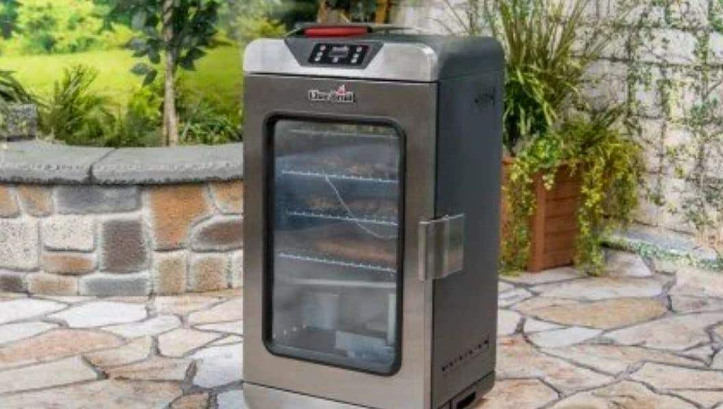 How to Clean a Digital Electric Smoker